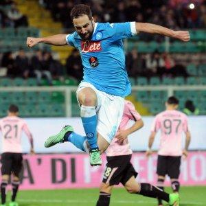 Serie A: il Napoli passa a Palermo, la Roma vince a Udine. Pari per Fiorentina e Milan