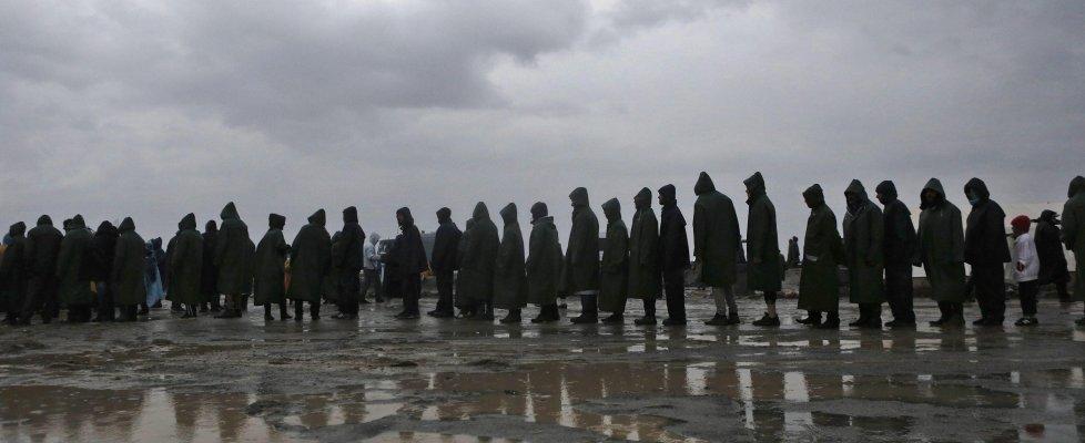 """Migranti, ancora vittime: 3 annegano in un fiume. Mattarella: """"Occuparsi di condizioni alla base"""""""