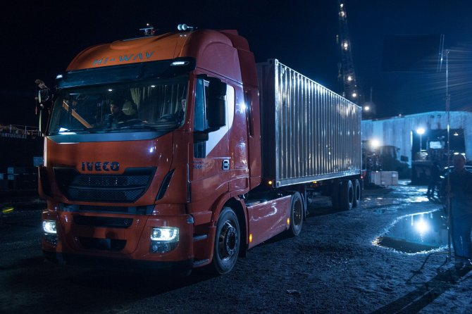 """Batman v Superman"", nel film compare lo Stralis di Iveco"