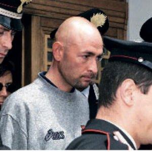 """Caso Pantani, intercettato un detenuto: """"La camorra gli fece perdere il Giro"""". Ma la procura di Forlì chiede l'archiviazione"""