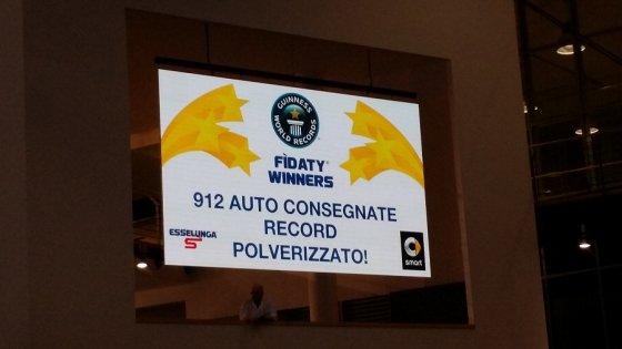 Smart da primato, consegna 912 auto in 48 ore, è record mondiale