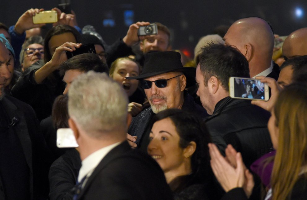 Musica, il ritorno di Vasco: cori da stadio al cinema Odeon di Milano
