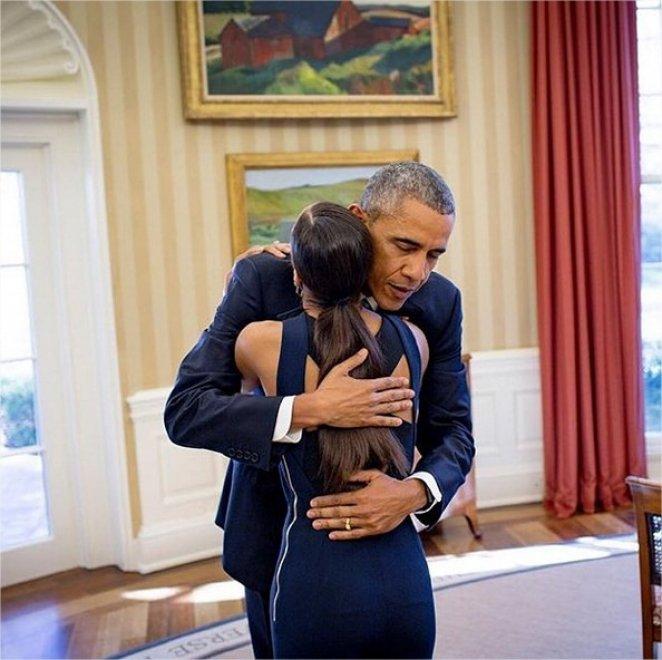 Obama abbraccia Misty Copeland: la ballerina afro star dei diritti