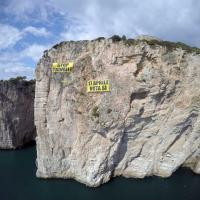 ''Stop alle trivelle'', Greenpeace 'scala' la Montagna Spaccata