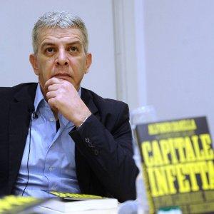 """Appalti illegali a Roma, la procura con Cantone: """"Così si affossa la città"""""""