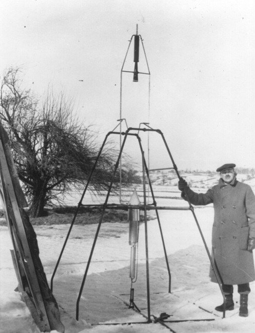 Goddard, padre dei vettori spaziali: 90 anni fa il decollo del primo razzo