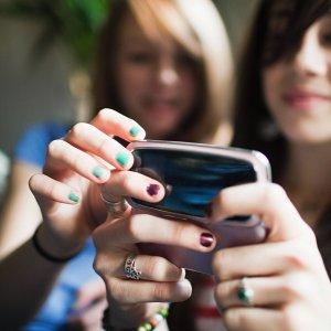 Soldi ai partiti con un sms, via libera dal Garante