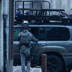 """Terrorismo, quattro arresti a Parigi. Hollande: """"Il livello della minaccia resta elevato"""""""