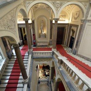 Beni Culturali Spa: lo Stato vara la società per bar, gadget e librerie nei musei