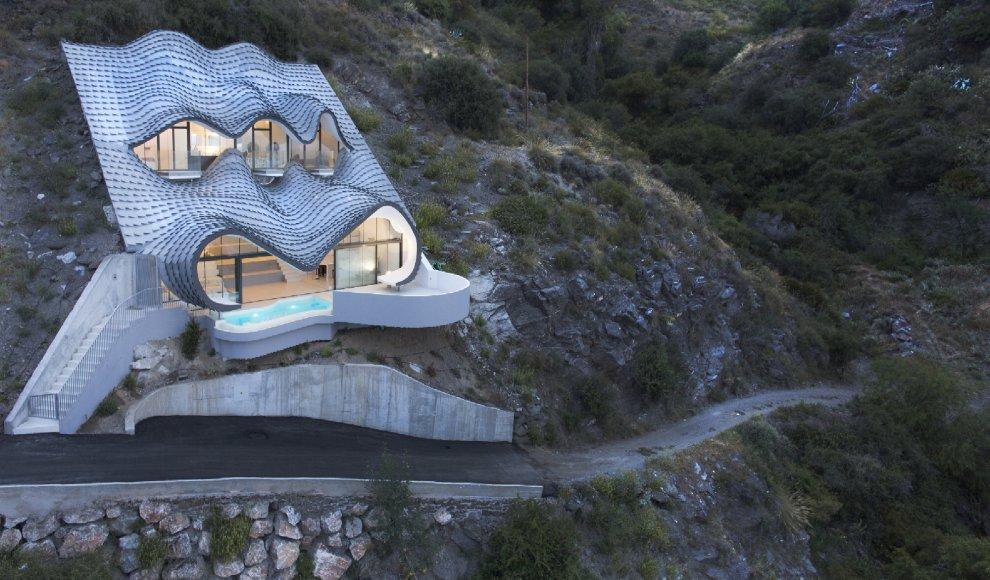 Spagna, la casa ricorda un drago: l'architettura è leggendaria