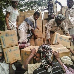 Yemen, per circa 3 milioni di persone il cibo scarseggia, ma arrivano i voucher