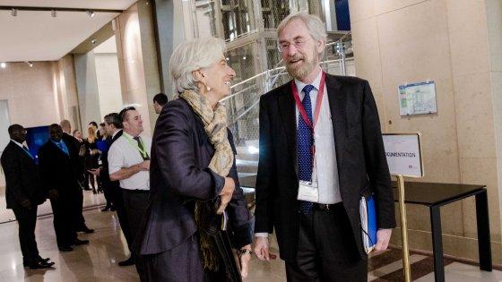 "Peter Praet, capo economista all'Eurotower : ""La Bce potrà abbassare ancora i tassi"""