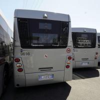 Scioperi, servizi pubblici a rischio: fermi trasporti e uffici, i tassisti si sfilano dall'agitazione