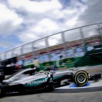 F1, Australia: prime libere nel segno di Hamilton. Ferrari indietro sotto la pioggia