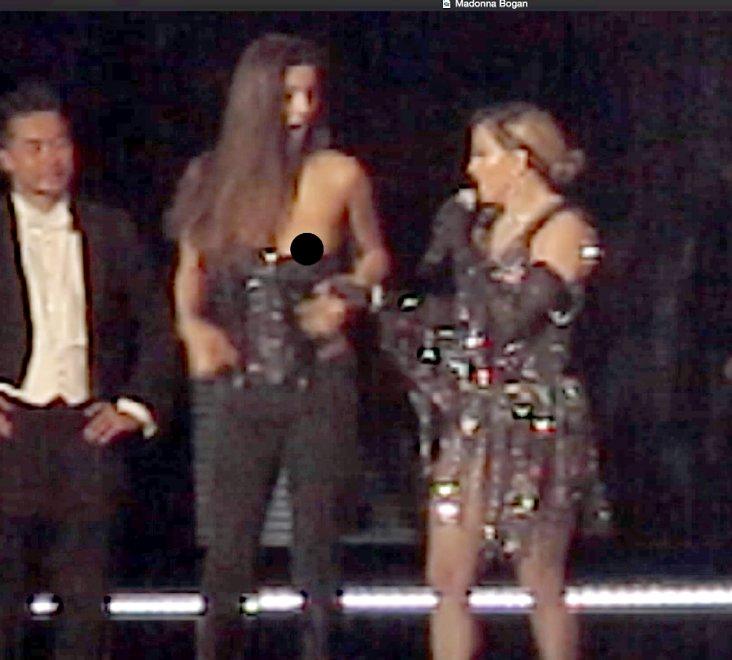 Australia, Madonna travolta dalle critiche: strappa corpetto alla fan minorenne