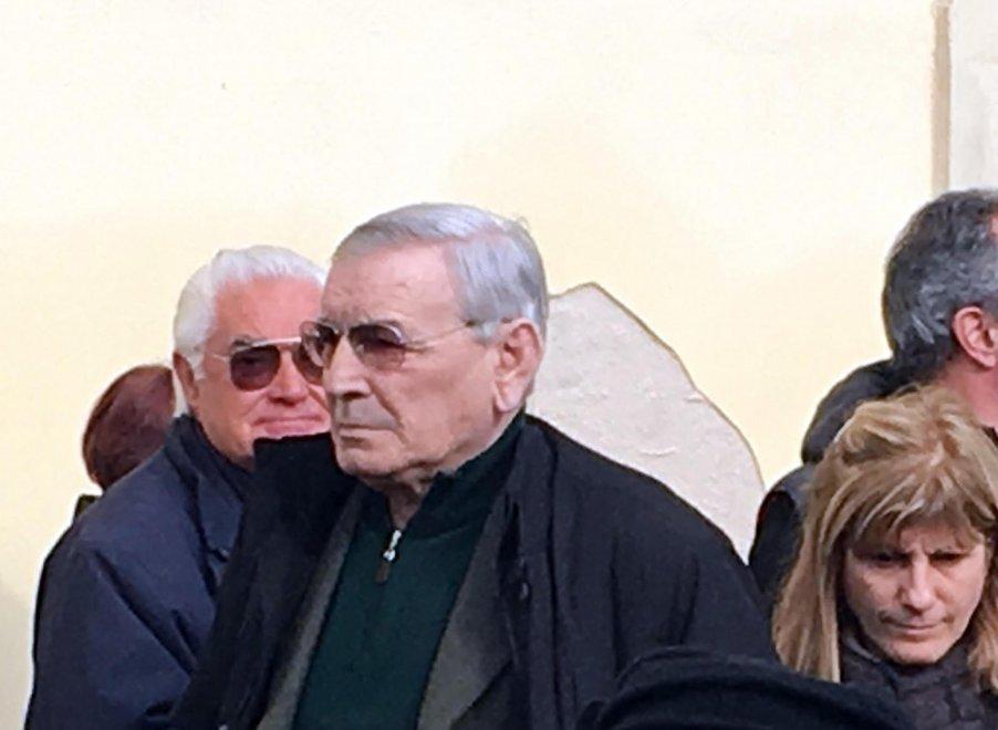 Cagliari, baby calciatore morto in campo: ai funerali c'è Gigi Riva