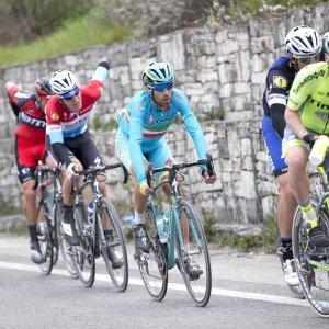 Milano-Sanremo, Nibali sfida il pronostico e il dominio straniero