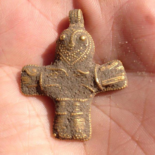 Danimarca, il crocifisso trovato per caso che potrebbe cambiare la storia