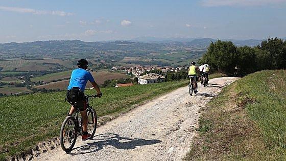 Da Roma alle Marche. Il cammino sacro apre ai ciclisti