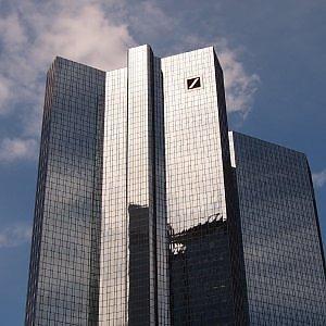Scandalo Euribor, mandato d'arresto europeo per cinque banchieri