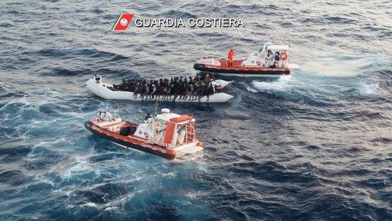 """L'allarme del Viminale sulla Libia: """"200mila profughi pronti a partire, con la rotta balcanica chiusa """""""