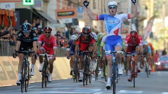 Ciclismo, Milano-Sanremo a sorpresa: la spunta il francese Demare