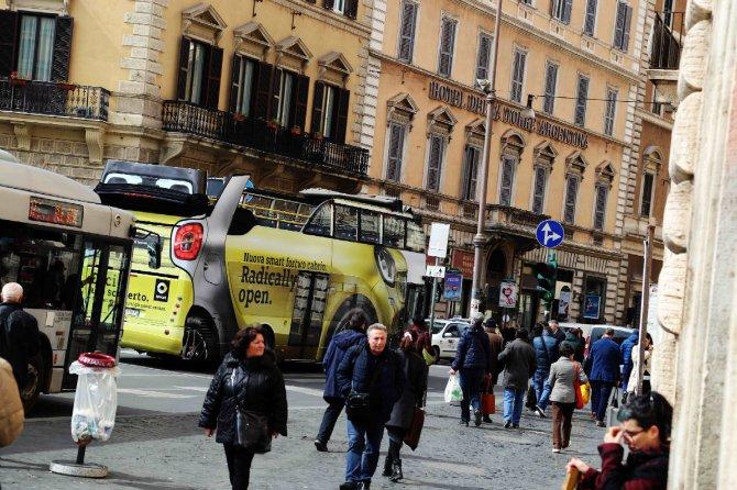 E il Bus si trasforma in Smart Cabrio