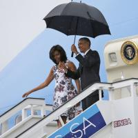 Cuba, l'arrivo di Obama all'Avana: il presidente scende dall'Air Force One