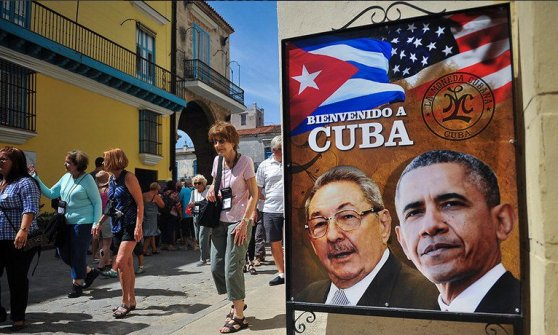 "Obama: ""Un giorno nuovo tra Usa e Cuba"". Castro: ""Restano profonde differenze. Revoca totale dell'embargo"""