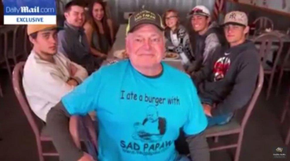 Tutti a cena con il nonno triste: 'Sad Papaw' ritrova i suoi nipoti