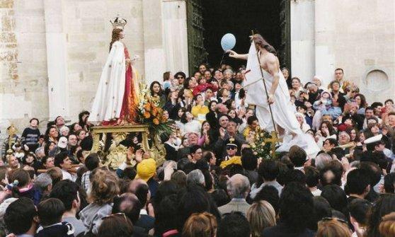 Pasqua in Puglia, Passione tra mito e spettacolo