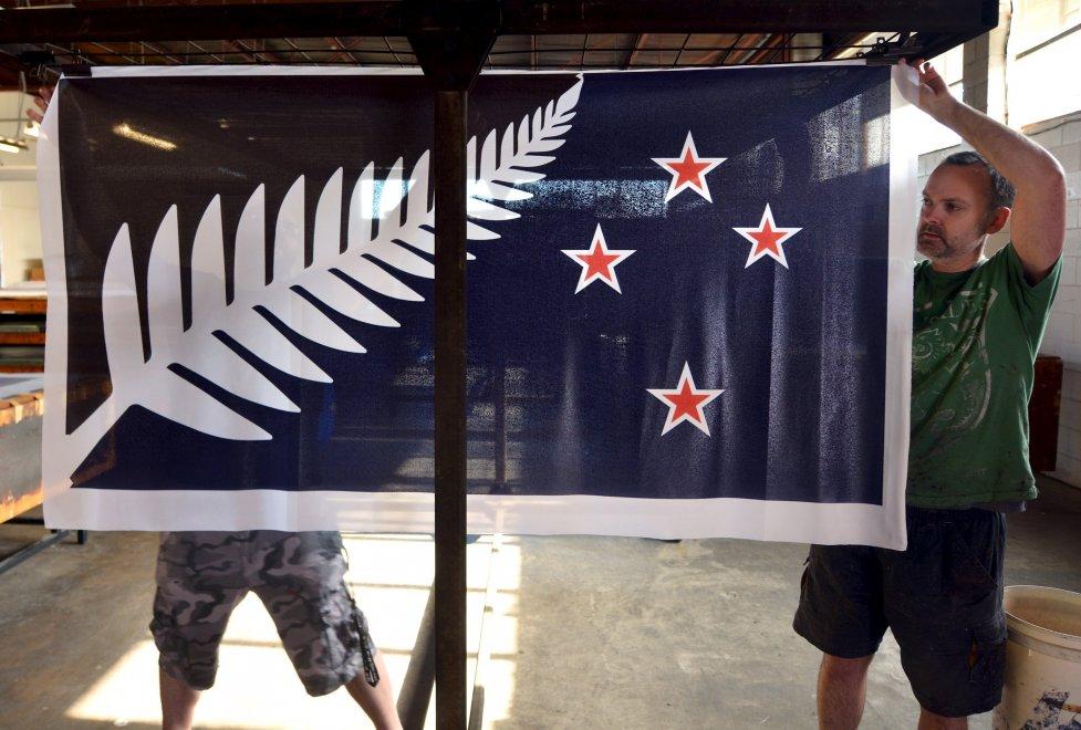 Nuova Zelanda, la nuova bandiera non piace: gli elettori votano no