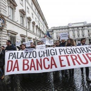 Banche salvate, potrebbero salire i rimborsi agli obbligazionisti