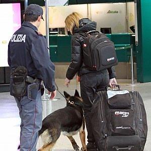 Database condivisi e più controlli negli scali: la risposta dell'Europa al terrore