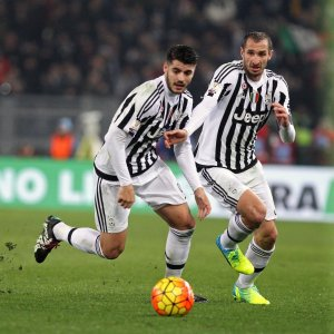 "Juventus, esami ok per Dybala. E Chiellini fa Batman: ""Difenderò la squadra come Gotham City"""