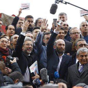Turchia, giornalisti accusati di spionaggio: la corte chiude il processo a media e pubblico