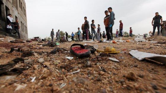 Iraq, strage di ragazzini allo stadio