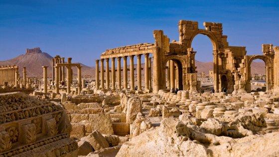 Siria, le forze di Assad riconquistano Palmira