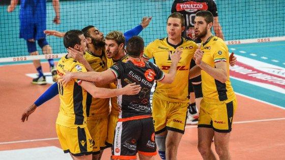 Volley, play off Superlega: Molfetta e Verona fanno l'impresa, Modena si prende la semifinale
