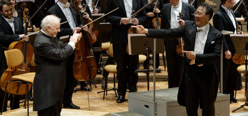 """Festtage, Yo-Yo Ma strega Berlino: """"Mi chiedo sempre quale sia il ruolo del musicista"""""""