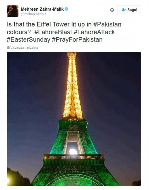 La Torre Eiffel non si illumina per le vittime del Pakistan: protesta degli utenti su Twitter