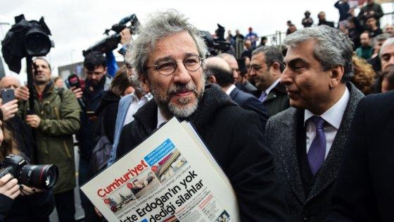 Turchia protesta per presenza diplomatici a processo contro giornalisti