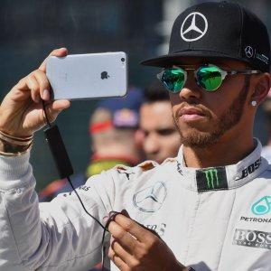 """F1, Gp Bahrain&#x3b; Hamilton: """"Temo la Ferrari, potrebbe starci davanti"""""""