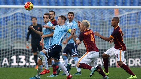Lazio-Roma, derby nel deserto: venduti appena 8mila biglietti