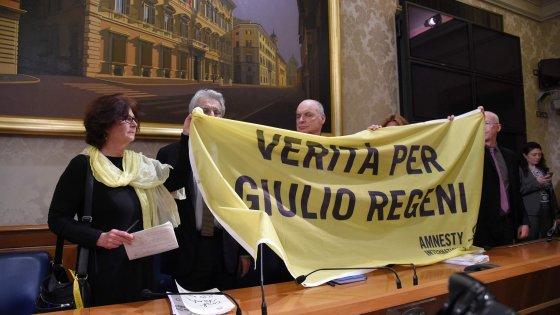 Caso Regeni, l'Italia pensa a sanzioni e black list verso l'Egitto