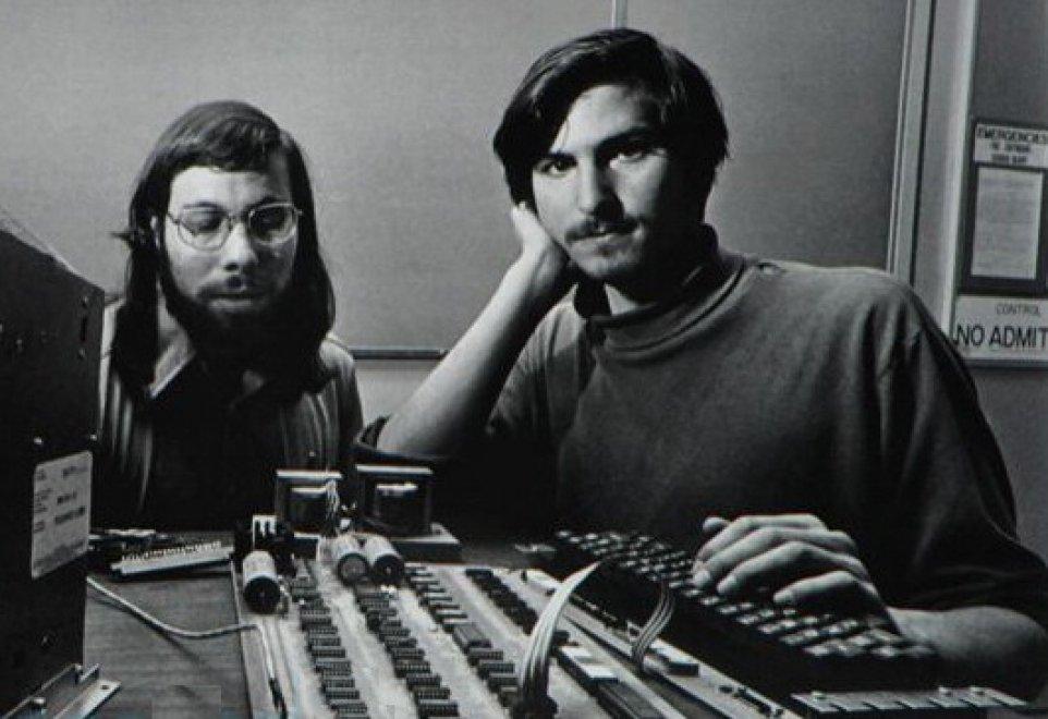 Da Steve Jobs a Tim Cook: quarant'anni di Apple
