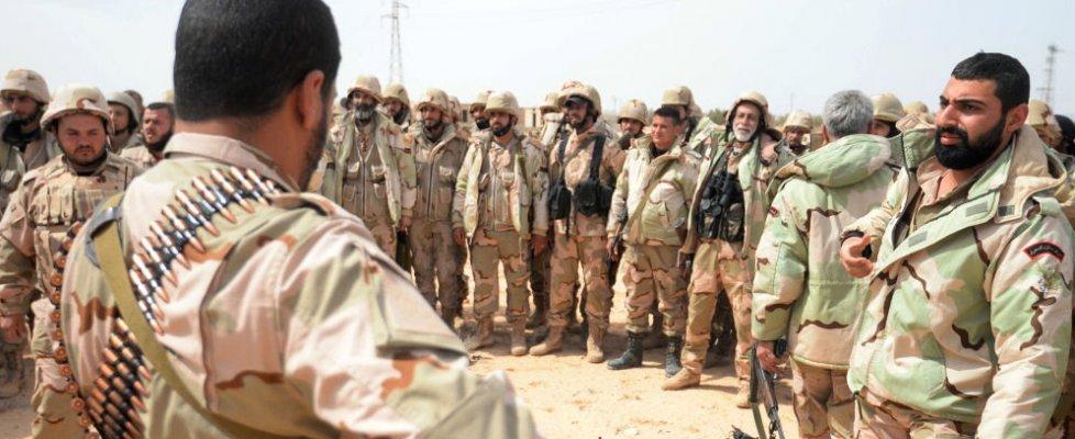Is, Siria: trovata fossa comune a Palmira con 42 corpi. Iraq, raid uccide capo armi Stato islamico