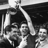 Maldini, primo capitano italiano a sollevare la Coppa dei Campioni