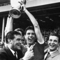 Cesare Maldini e quella Coppa dei Campioni alzata in cielo a Wembley