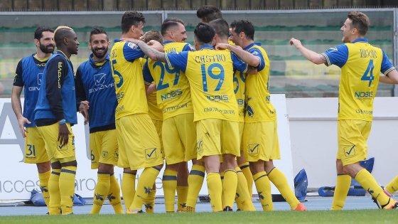Chievo-Palermo 3-1: veneti sempre più su, rosanero a picco